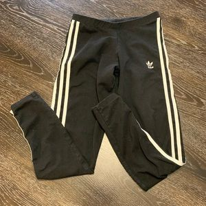 Classic adidas striped legging